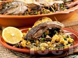 Пълнен шаран с лимони, ориз, грах и стафиди за Никулден - снимка на рецептата
